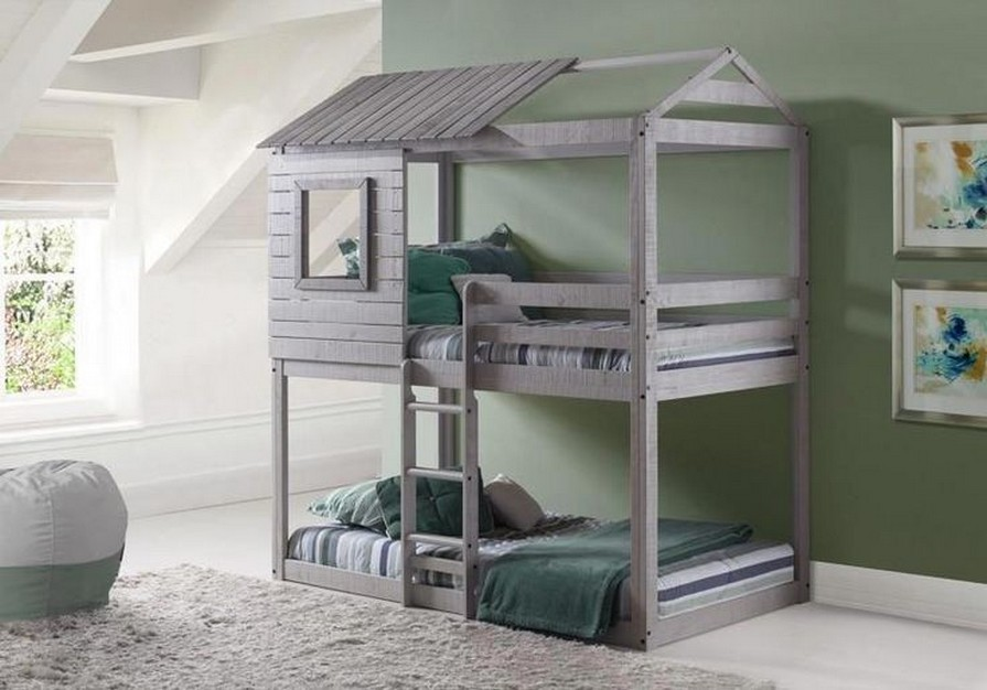 50 great ideas for decorating boys rooms 32