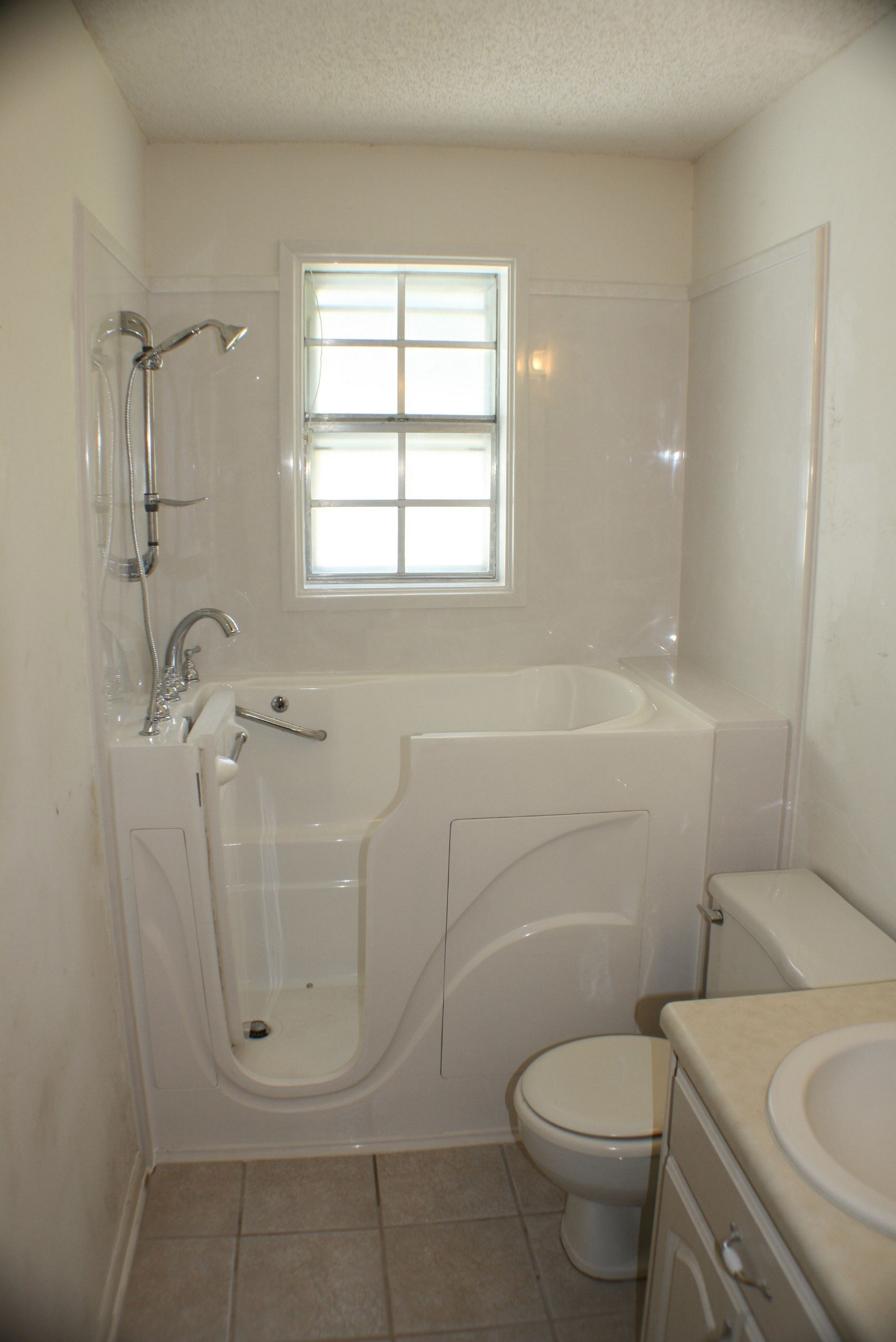 21 Most Popular Model Of Bathtubs And Showers Tips To Choosing For Your Bathroom 14