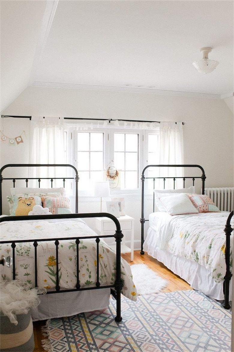 85 Master Bedroom Decoration Models With Two Beds Feel Comfortable In Use 16