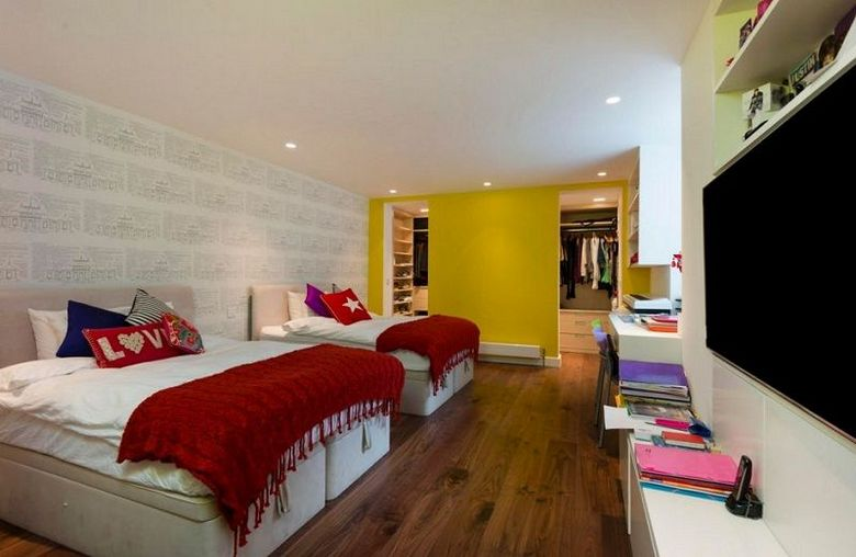 85 Master Bedroom Decoration Models With Two Beds Feel Comfortable In Use 24