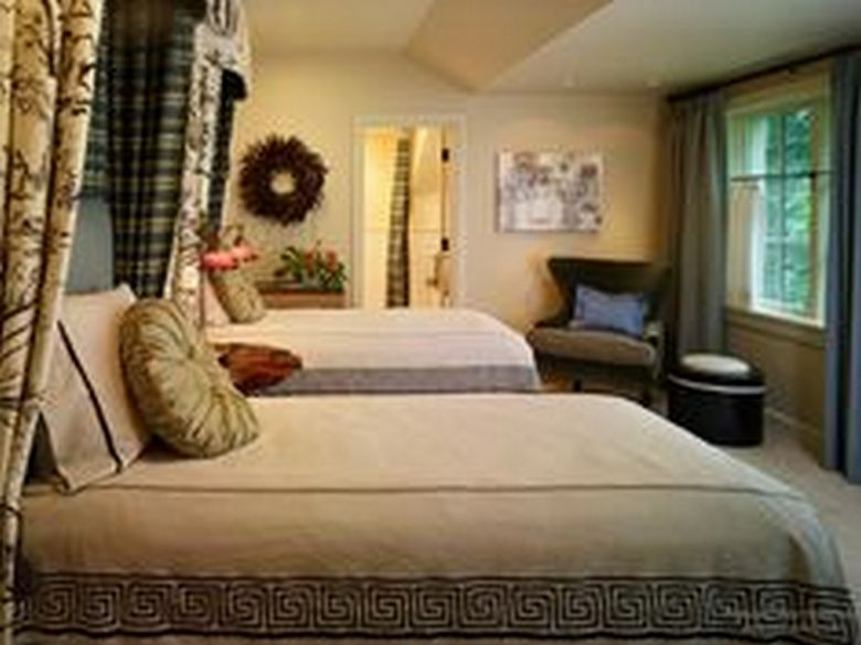 85 Master Bedroom Decoration Models With Two Beds Feel Comfortable In Use 85