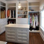 90 Modern Master Closet Models That Inspire Your Home Decor 2