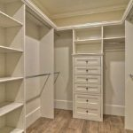 90 Modern Master Closet Models That Inspire Your Home Decor 6