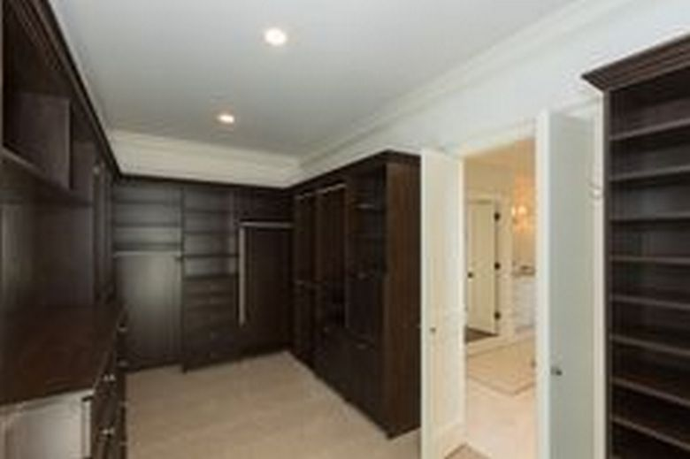90 Modern Master Closet Models That Inspire Your Home Decor 60
