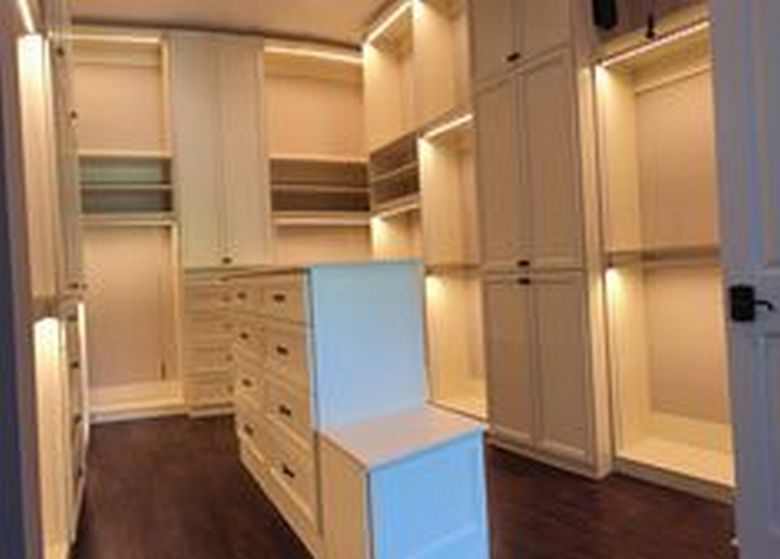 90 Modern Master Closet Models That Inspire Your Home Decor 83