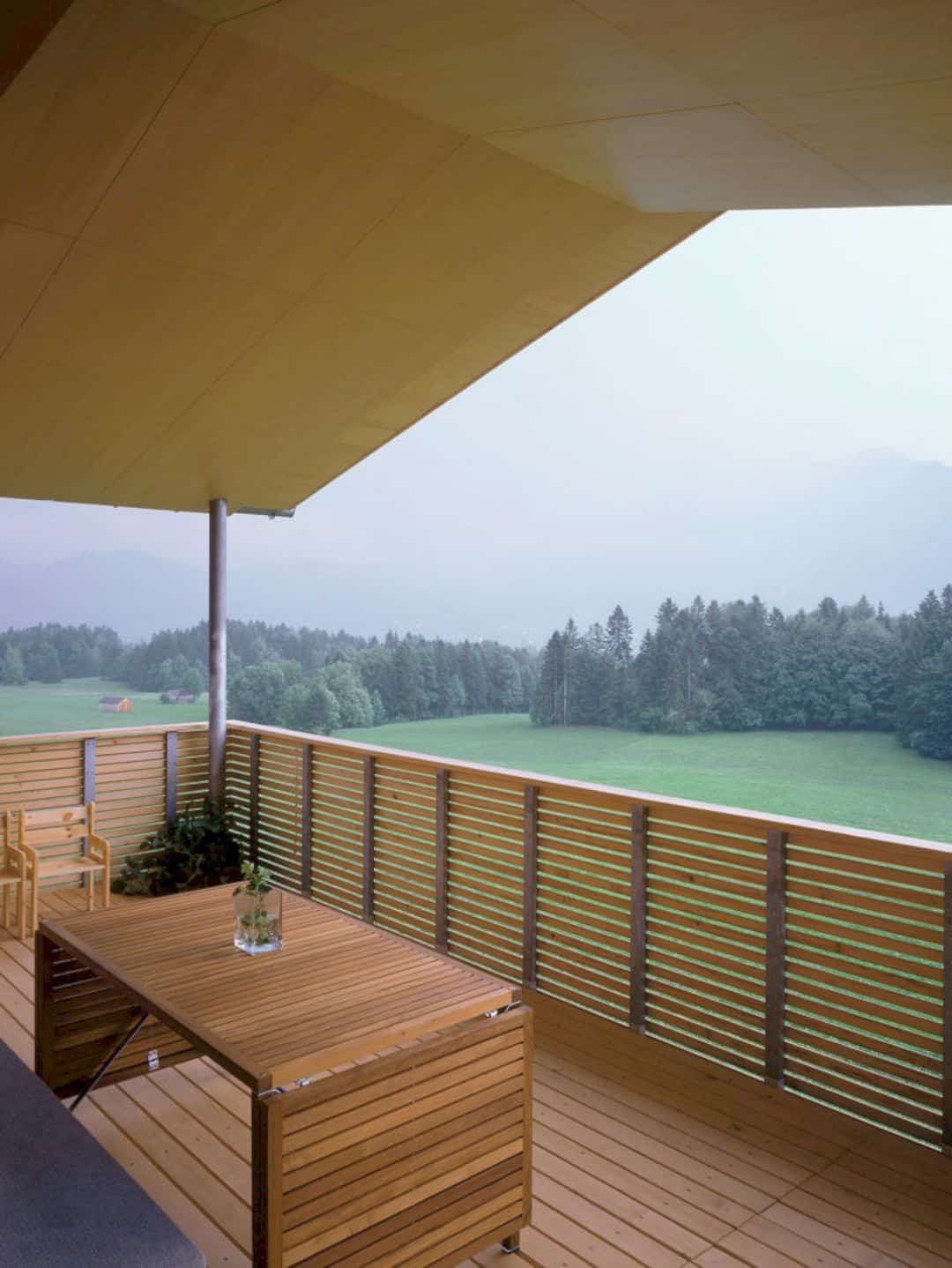 Home I, Schwarzenberg (AT): An Unstructured Barn Like Solitaire With Wooden
