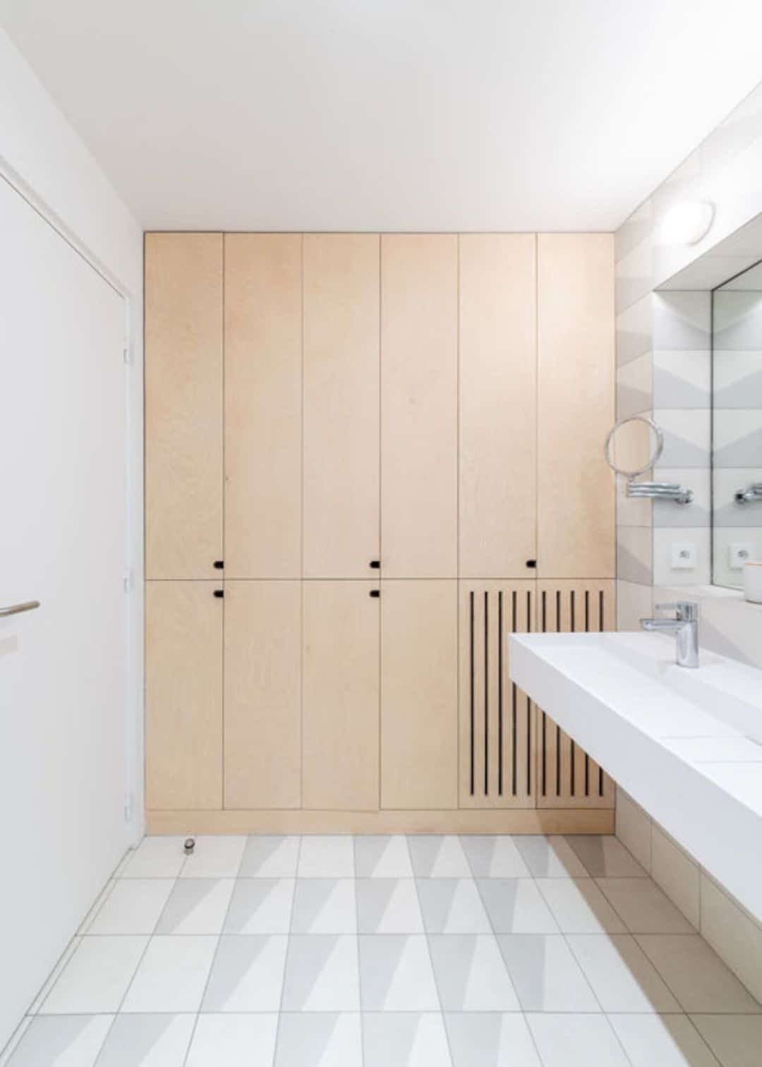 Sacha: A Modern Day Apartment With Double Publicity And Unobstructed