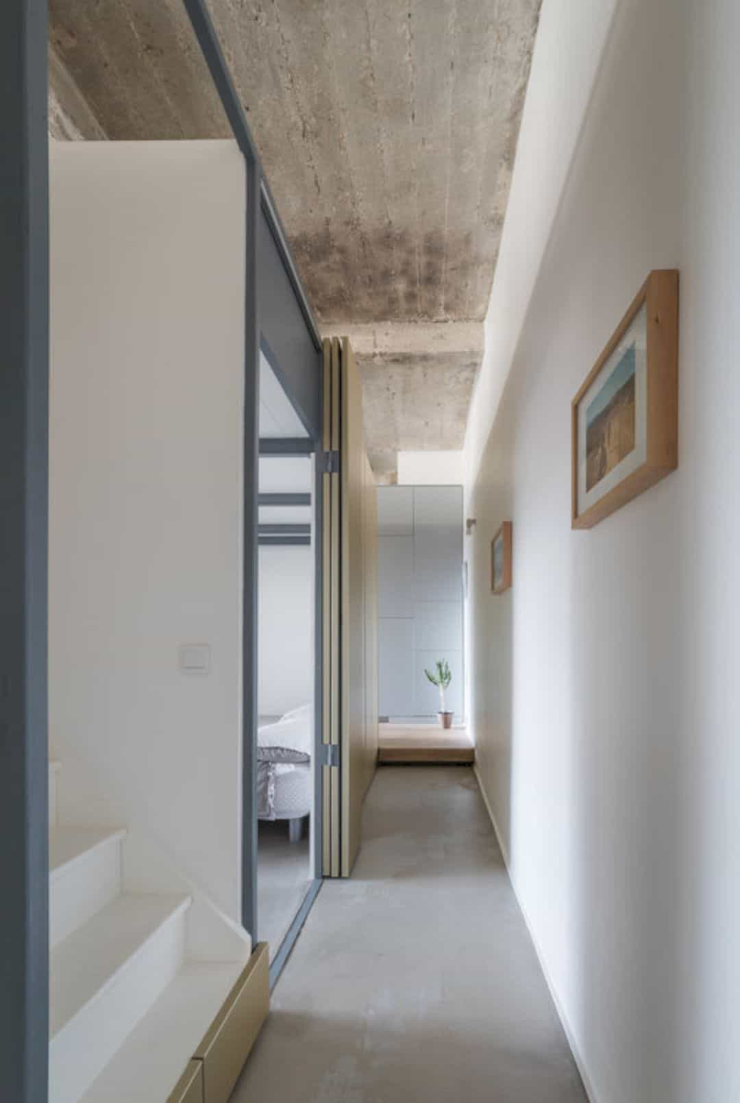 Voltaire: A Relaxed Apartment In 1920's Industrial Constructing With Middle