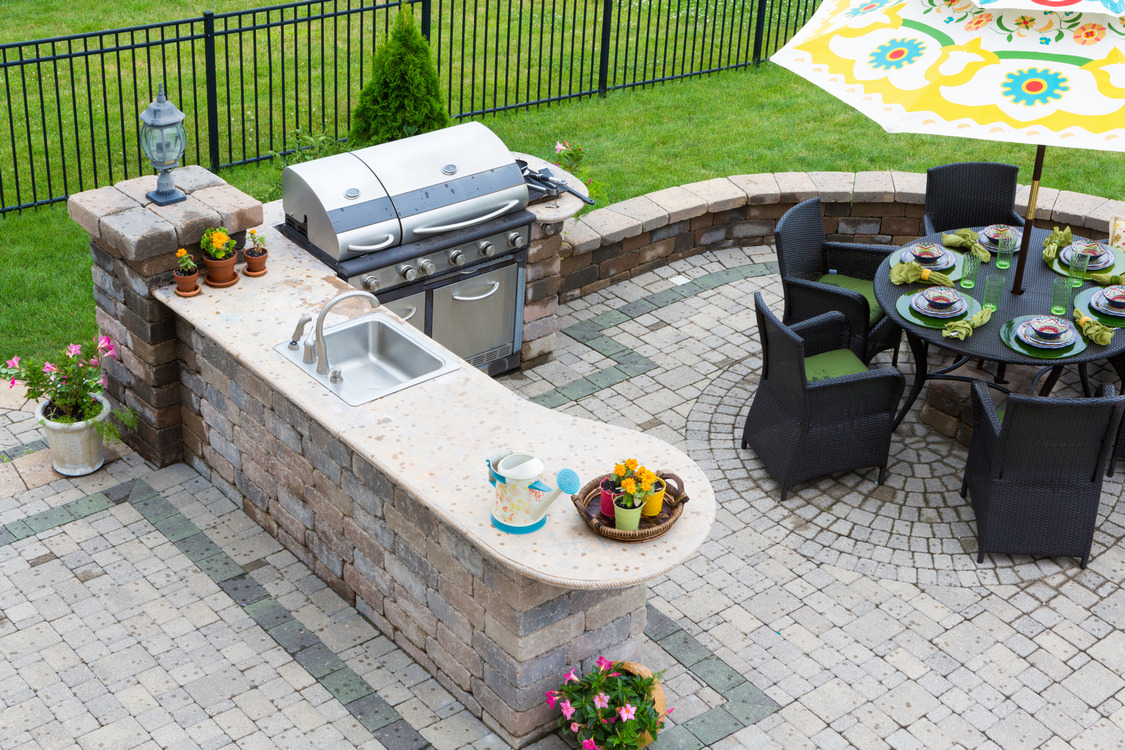 7 Tips Simple For Choosing The Perfect Outdoor Kitchen Grills 20