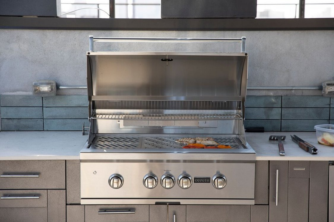 7 Tips Simple For Choosing The Perfect Outdoor Kitchen Grills 34