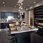 Tips For Creating Beautiful Black Or White Retro Themed Kitchens 13