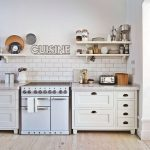 Tips For Creating Beautiful Black Or White Retro Themed Kitchens 49