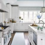 Tips For Creating Beautiful Black Or White Retro Themed Kitchens 67