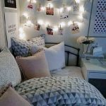 Tips For Decorating A Small Bedroom For A Young Girl 19