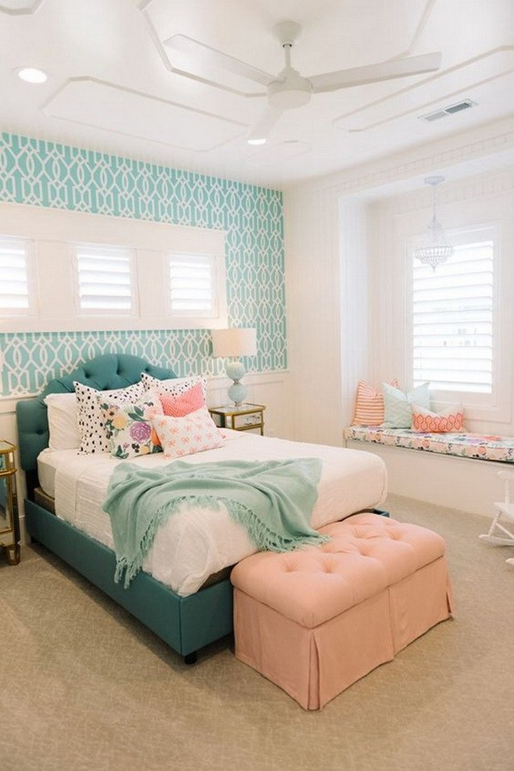 Tips For Decorating A Small Bedroom For A Young Girl 2