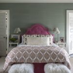 Tips For Decorating A Small Bedroom For A Young Girl 27