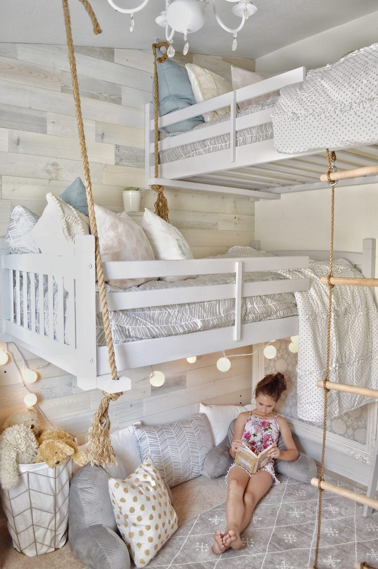 Tips For Decorating A Small Bedroom For A Young Girl 30