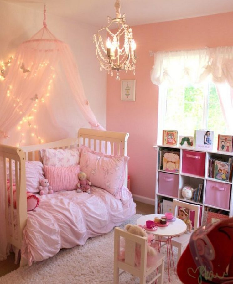 Tips For Decorating A Small Bedroom For A Young Girl 37
