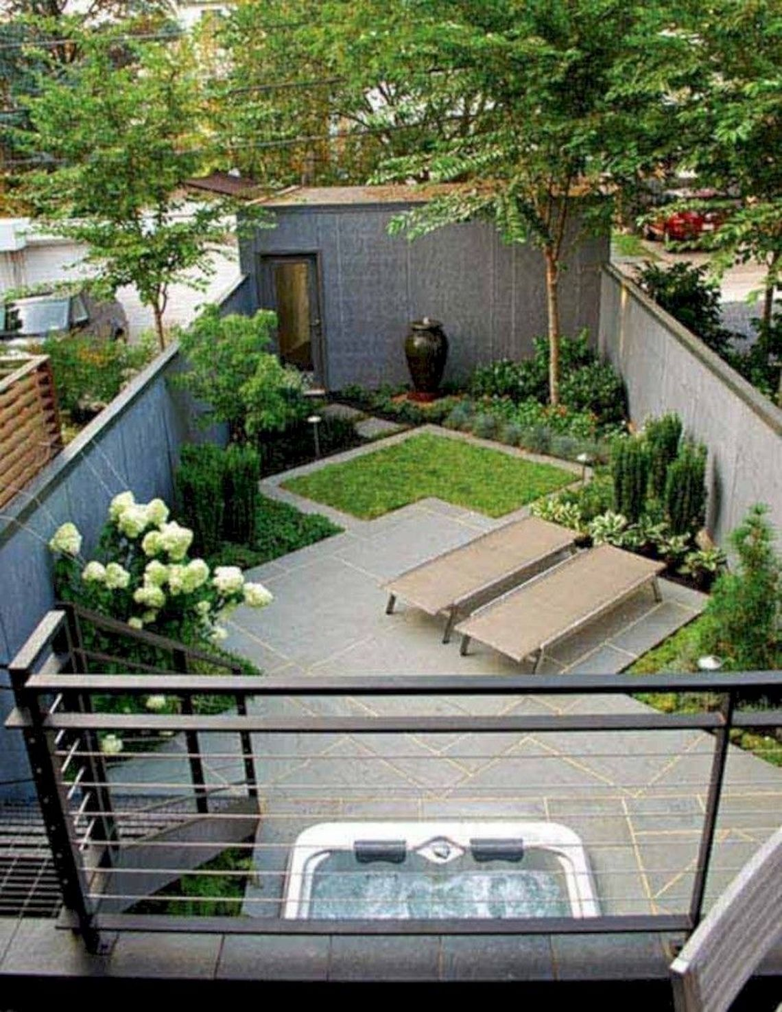 91 Small Backyard Landscape Decoration Models Are Simple And Look Creative 13