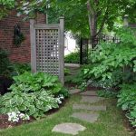 91 Small Backyard Landscape Decoration Models Are Simple And Look Creative 23