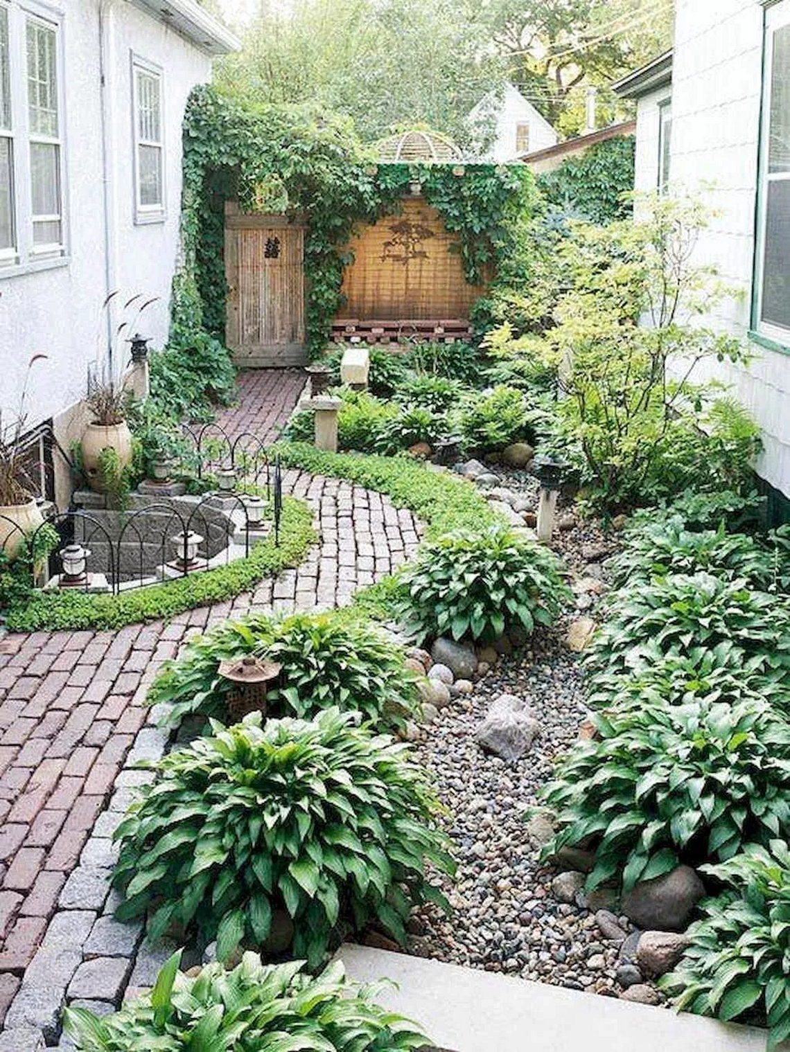 91 Small Backyard Landscape Decoration Models Are Simple And Look Creative 29