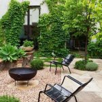91 Small Backyard Landscape Decoration Models Are Simple And Look Creative 36