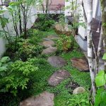 91 Small Backyard Landscape Decoration Models Are Simple And Look Creative 37
