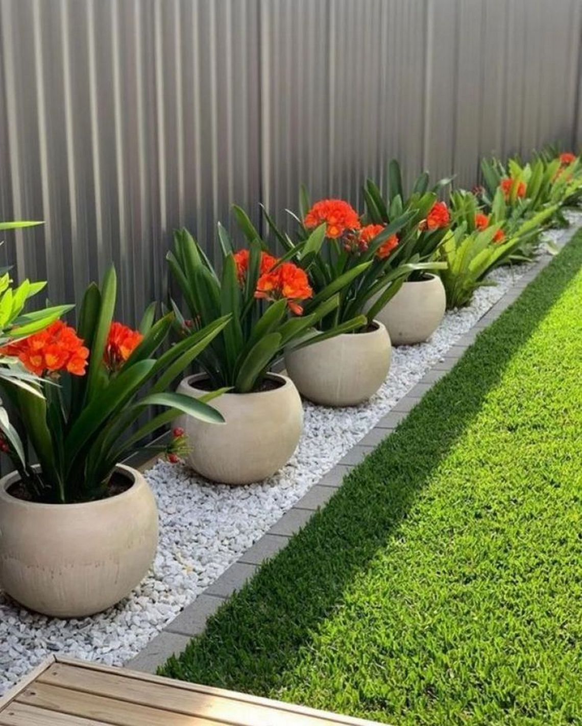 91 Small Backyard Landscape Decoration Models Are Simple And Look Creative 78