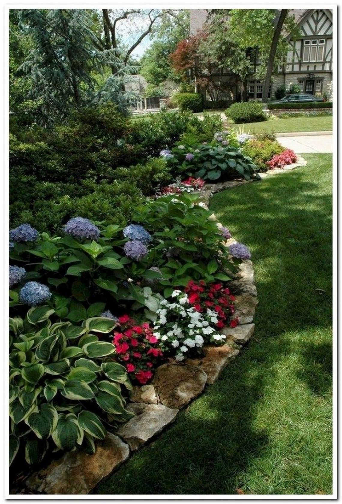 91 Small Backyard Landscape Decoration Models Are Simple And Look Creative 86