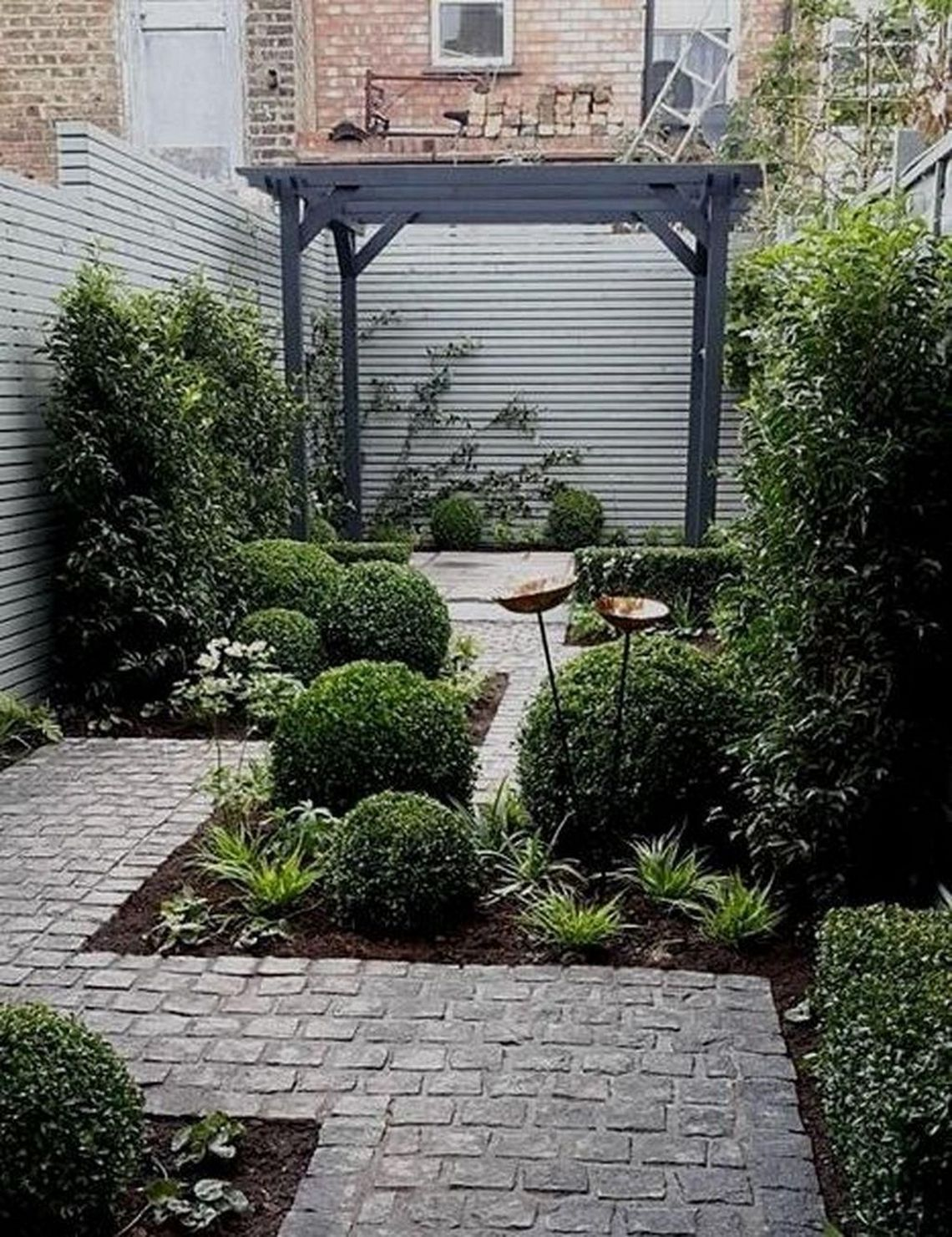91 Small Backyard Landscape Decoration Models Are Simple And Look Creative 89