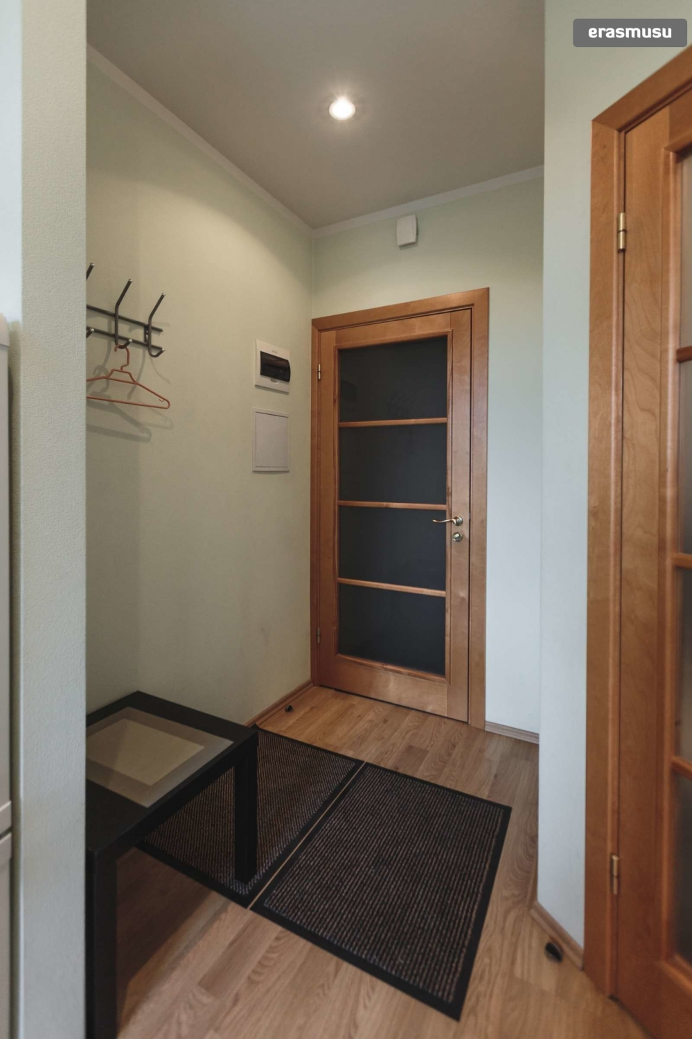 on Cozy Studio Apartment id=15945