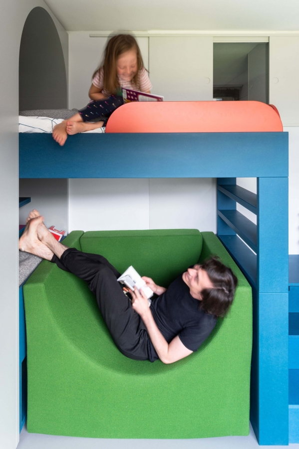on Bunk Bed with Desk for Girl id=16133