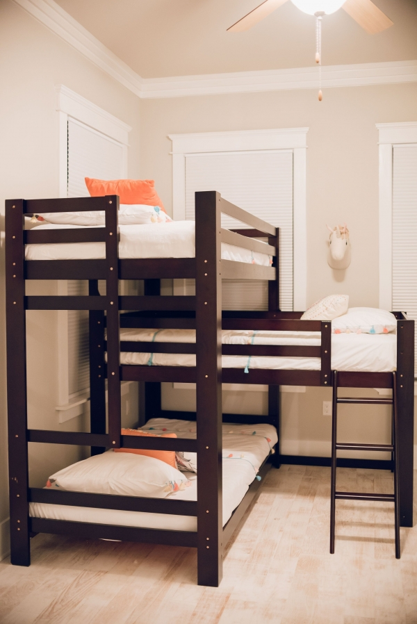Unbelievable Bunk Bed with Desk for Girl On