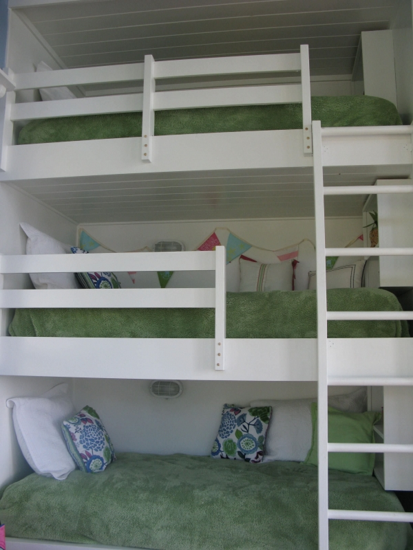 Beauteous Bunk Beds with Desk Underneath On