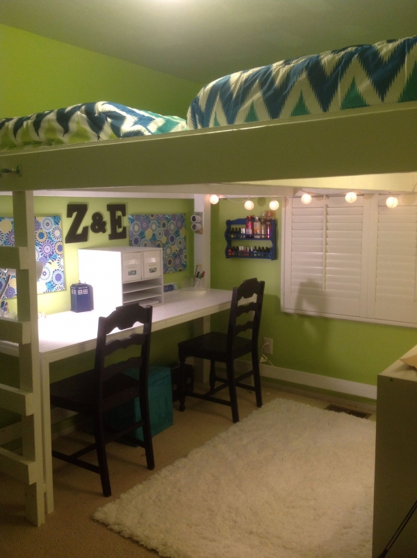 on Loft Bed with Desk and Storage id=16032