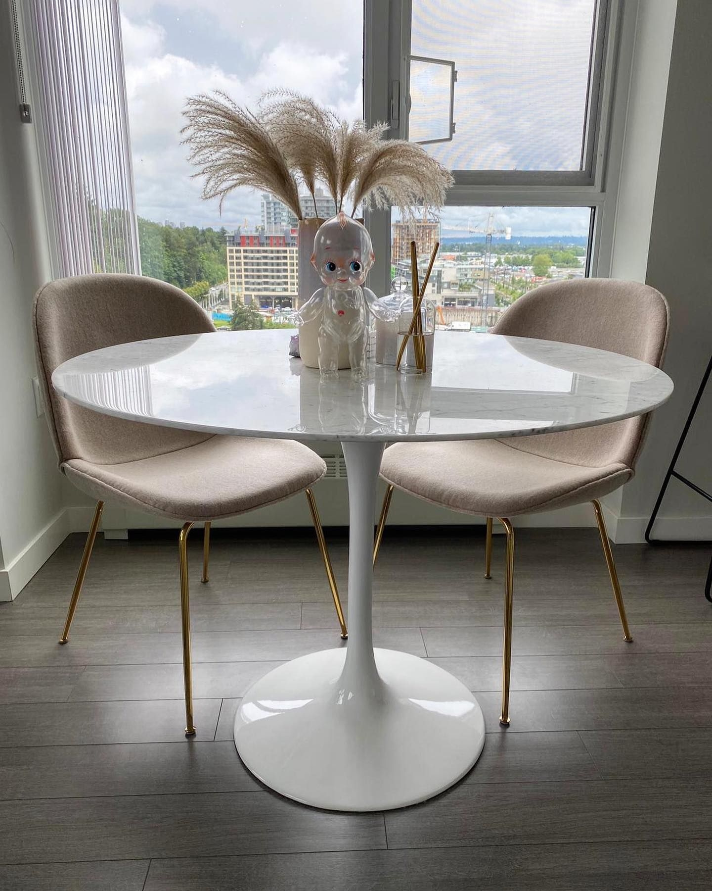 Appealing Coffee Table with Chairs On