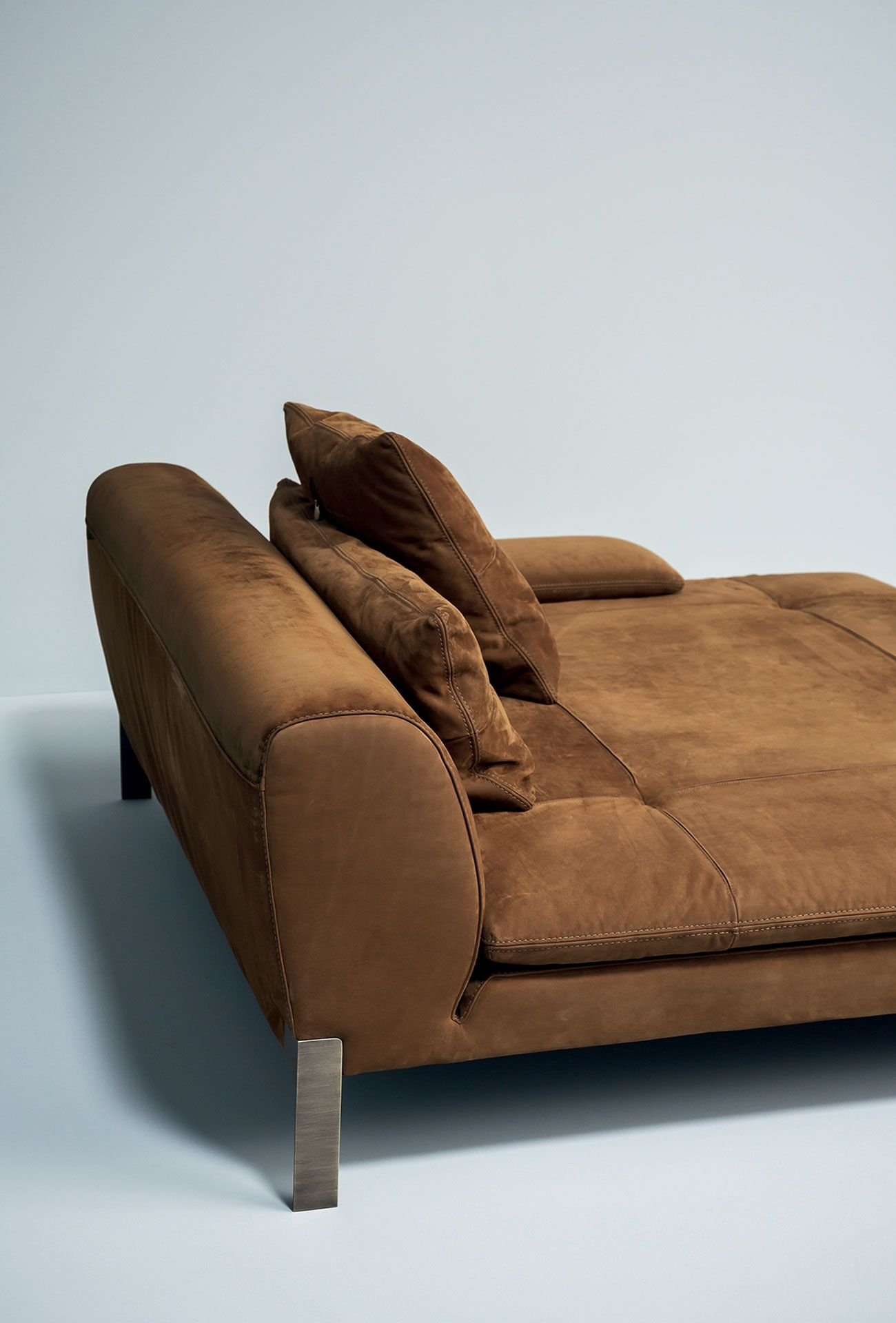 8b2207e831cf3fac46d2b45adaa032d0 on Traditional Style Leather Sofas id=1005448