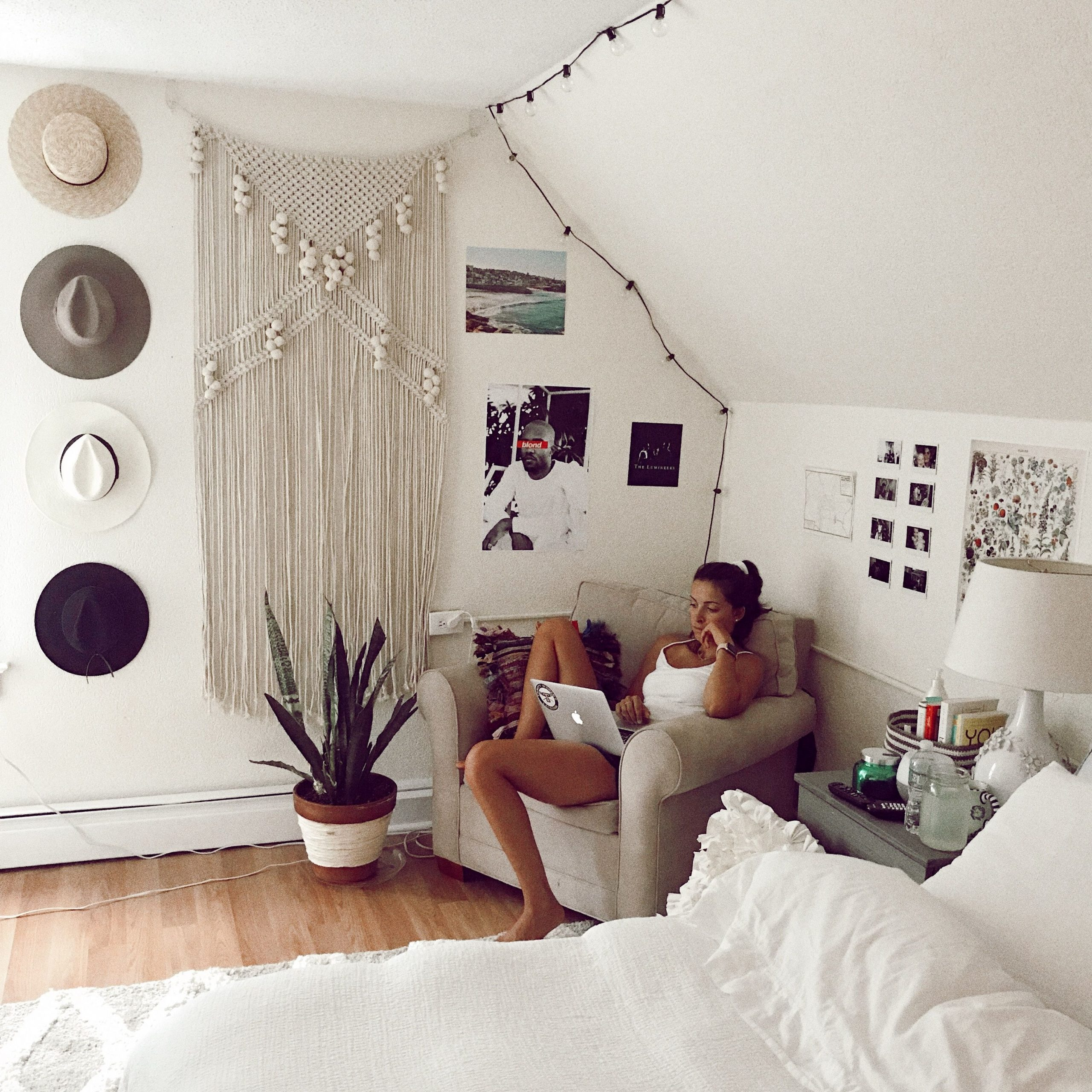 Magnificent Minimalist Bohemian Dorm Room Bedding On Gorgeous Pin by Ella Hasselroth On Minimalist Room On Minimalist Bohemian Dorm Room Bedding
