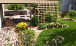 patio decor ideas under the walled