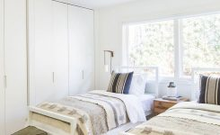 85 Master Bedroom Decoration Models With Two Beds Feel Comfortable In Use 13