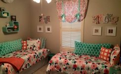 85 Master Bedroom Decoration Models With Two Beds Feel Comfortable In Use 40