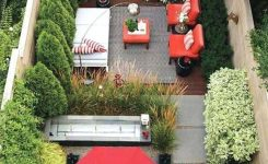 91 Small Backyard Landscape Decoration Models Are Simple And Look Creative 40