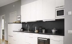 Tips For Creating Beautiful Black Or White Retro Themed Kitchens 37