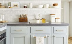 Tips For Creating Beautiful Black Or White Retro Themed Kitchens 39