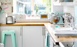 Tips For Creating Beautiful Black Or White Retro Themed Kitchens 61