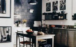 Tips For Creating Beautiful Black Or White Retro Themed Kitchens 8