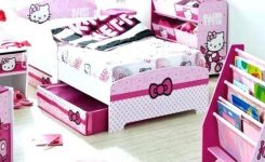 Tips For Decorating A Small Bedroom For A Young Girl 11