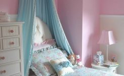 Tips For Decorating A Small Bedroom For A Young Girl 23