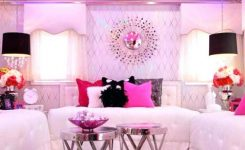 Tips For Decorating A Small Bedroom For A Young Girl 39