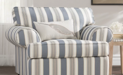 comfortable family room chairs